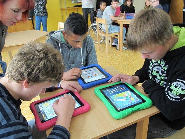 Nová učebna s iPady.