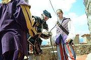 Den Magistra Edwarda Kelleyho na hradě Hněvín v Mostě.