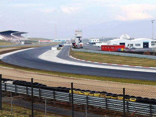 Autodrom pořádá v neděli den otevřených dveří.