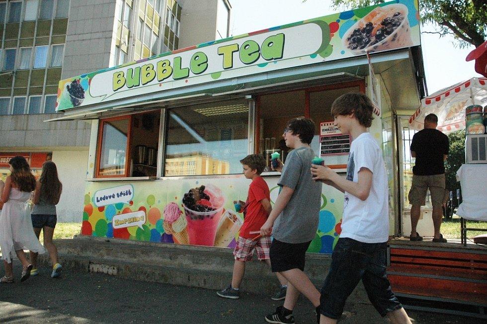 Prodejny zmrzliny v centru Mostu: Bubble Tea
