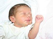 Mamince Ivetě Skopařové se v mostecké nemocnici narodila 27. července ve 2.30 hodin dcera Izabela Skopařová. Měrila 47 centimetrů a vážila 2,37 kilogramu.