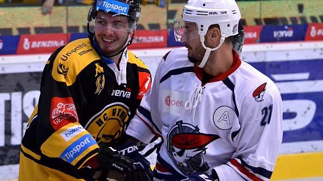 Přípravné derby Litvínov versus Chomutov.