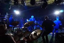 To nejlepší z legendárních Pink Floyd do mosteckého hudebního klubu Rokáč Vinohrady přiveze v pátek kapela Czech Floyd.