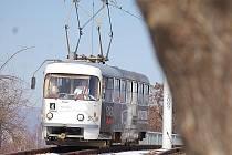 Mezi Mostem a Litvínovem začnou v exponovaných časech jezdit zase dvouvozové soupravy.
