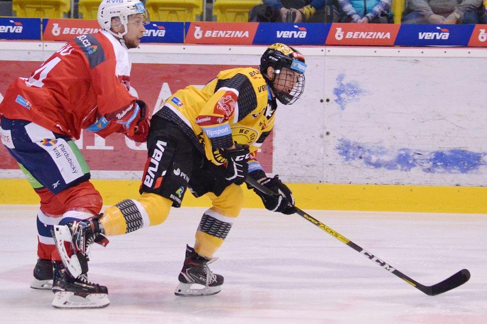 Jan Myšák začínal sezonu v Litvínově. Teď už bojuje v zámoří.