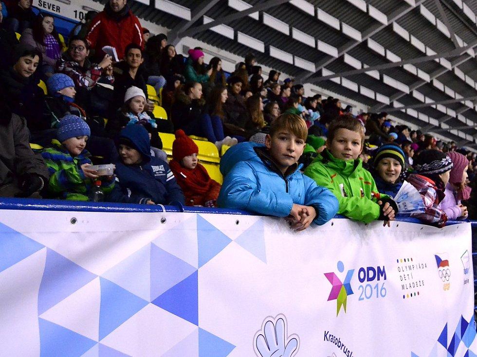 Krasobruslení na zimním stadionu v Mostě.