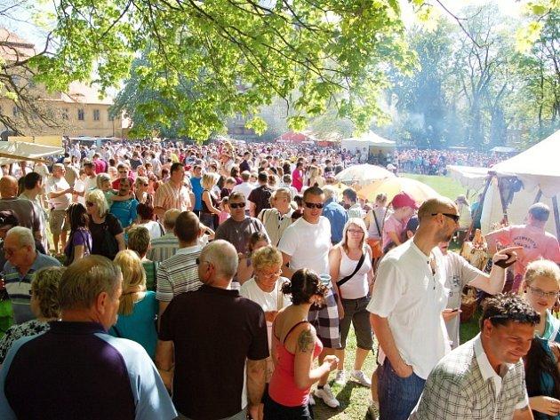 Park je vždy 1. května dějištěm Valdštejnských slavností.