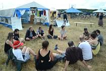 Tábor Klimakemp na okraji obce Louka u Litvínova