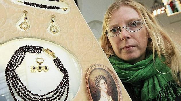 Kopie šperků baronky Ulriky von Levetzow. Archivní foto