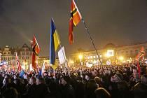 Demonstrace Pegidy proti uprchlíkům, Drážďany/Sasko, říjen 2015.