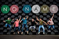 Na prvním barevném plesu dračích lodí vystoupí také slovenská skupina No Name.