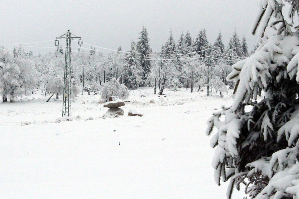 Krásně zasněžená Lesná lákala k návštěvě.