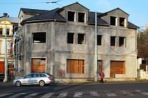 Věčná stavba. Dům na Východě je rozestavěný už bezmála deset let.