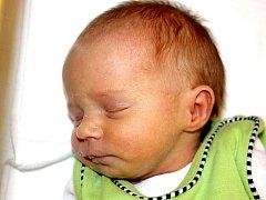 Mamince Janě Puchmeltrové z Mostu se 15. listopadu v 8.55 hodin narodila dcera Adéla Puchmeltrová. Měřila 44 cm a vážila 2,07 kilogramu.