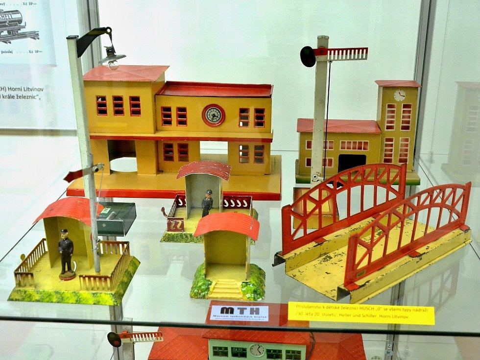 Unikátní výstava mechanických hraček značky Heller & Schiller v litvínovském zámku Valdštejnů