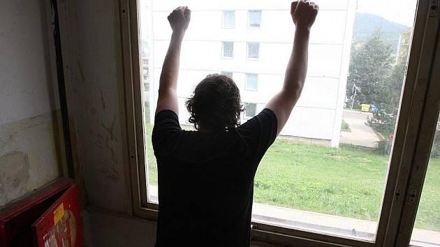 Bydlení v panelových domech v Obrnicích začíná připomínat Chanov.
