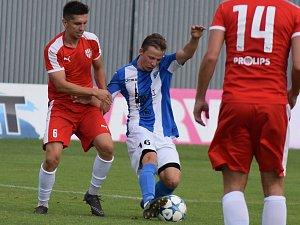 MFK (v modrém) v pohárovém zápase s Brozany.