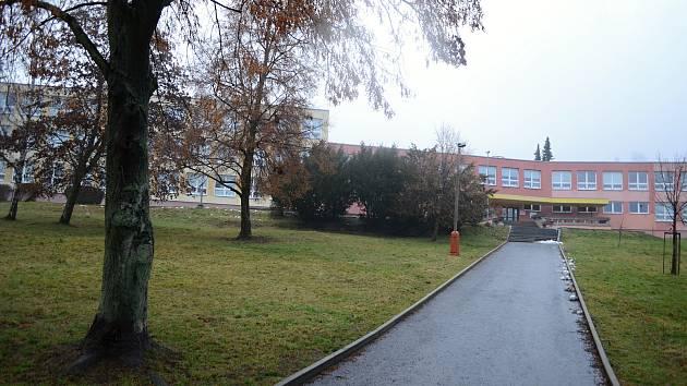 Základní škola v Meziboří.