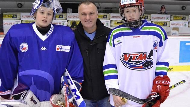 Bývalý hokejista Robert Reichel při pondělním slavnostním zahájení Olympiády dětí a mládeže na Zimním stadionu Ivana Hlinky v Litvínově.