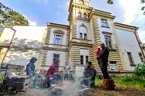 •Libuše - ekologicko kulturní centrum v Janově.