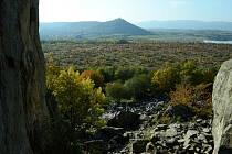Pohled z vrchu Špičák na planinu, která se má proměnit na průmyslovou zónu.