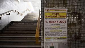 Tramvaje na Mostecku jezdí jen mezi chemičkou a Mostem. Litvínovsko obsluhují autobusy.