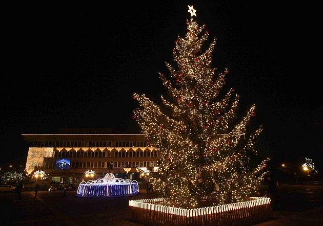 Vánoční výzdoba v centru Mostu