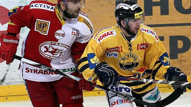 Litvínov (ve žlutém Martin Hujsa) slavil na Slavii tři body.