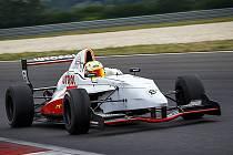 Pilot Pavel Machulda v prvním závodě skončil druhý ve třídě D4 a hlavní závod, který se jel na vodě poté dokonce vyhrál.