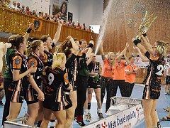 Takhle Černí andělé slavili poslední český titul.