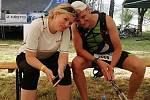 Tomáš Langhammer zvládl Gryzzlymana. Na trati ho podporovala manželka a tradiční support Andrea.