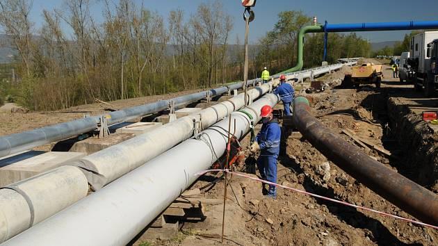 Přeložky inženýrských sítí v Hořanském koridoru pokračují podle plánu.
