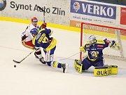Zlínu doma pomohly ke dvěma bodům nad Hradcem Králové penalty.