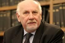 Soudce zpravodaj Pavel Rychetský.
