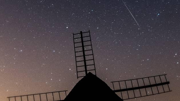 """""""Padající hvězdy"""" Perseidy."""