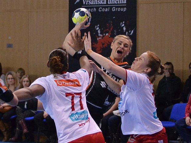 Simona Szarková v domácím zápase s Larvikem.