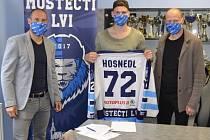 Brankář Lukáš Hosnedl je důležitou součástí Mosteckých lvů a bude jí i nadále.