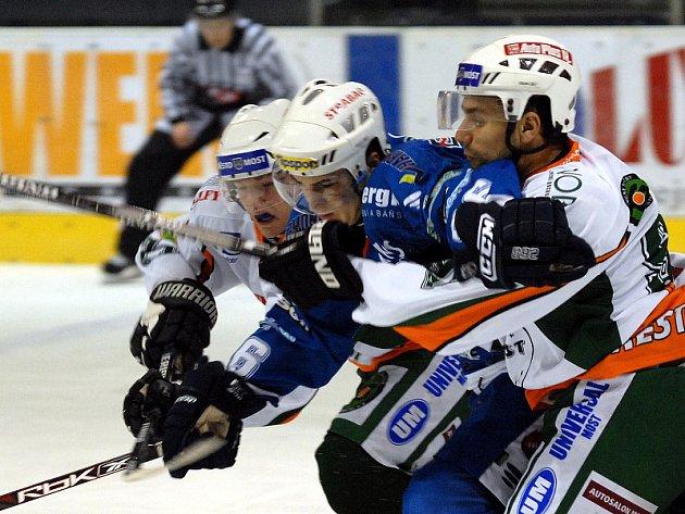 Mostečtí hokejisté jdou do bojů o záchranu.