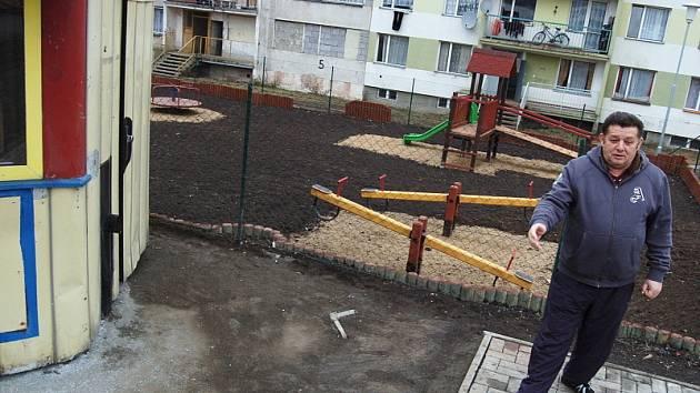 Nové hřiště v Chanově.