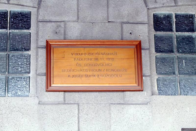 Na litvínovském zámku se jednalo o nádraží v Louce.