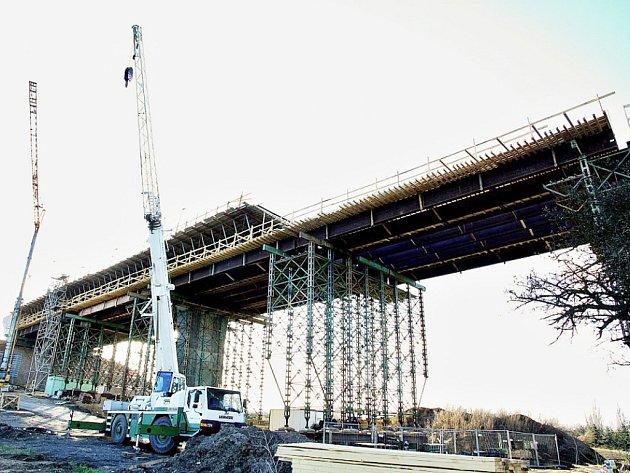 Nový most ve Velemšlevsi, stav březen 2016.
