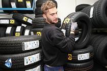 V nové továrně se budou vyrábět pneumatiky.