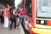 Tramvaj č. 4 do Litvínova.
