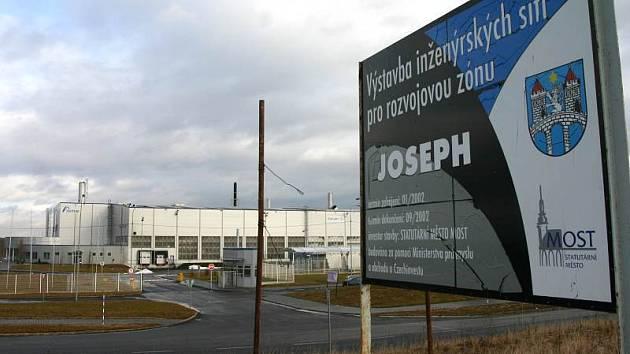 Průmyslová zóna Joseph u Mostu.