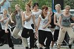Doprovodný program zpestřily dívky z taneční skupiny Šok.