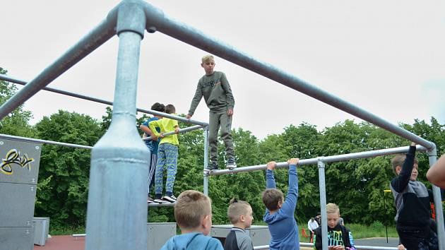 Na Šibeníku v Mostě se v pátek 19. června otevřelo parkourové hřiště