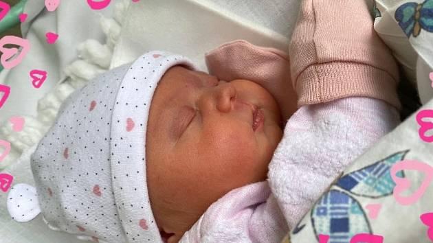 Emma Tille se narodila 6. května v 6.29 hodin v ústecké porodnici mamince Michaele Tille. Měřila 47 cm a vážila 3,00 kg.