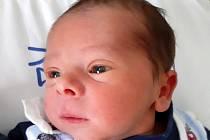Oliver Cína se narodil mamince Petře Tomkové z Mostu 11. února ve 2.35 hodin. Měřil 46 cm a vážil 2,9 kilogramu.