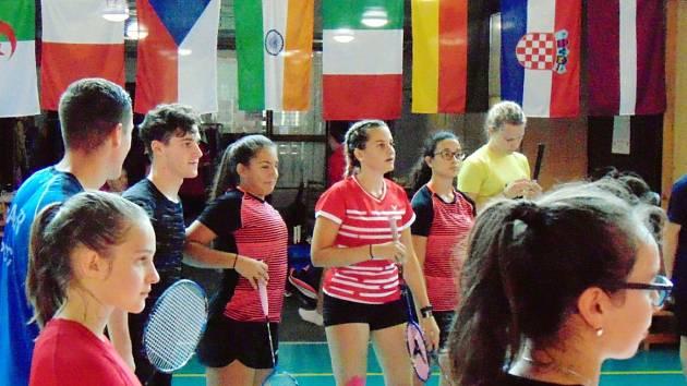 Mezinárodní badmintonové soustředění v Mostě. Letos se konal už patnáctý ročník.