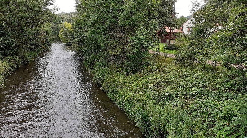 V Rudolicích se otevřela nová cesta pro pěší směrem k jezeru Most.